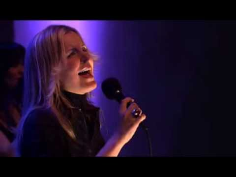 Oslo Gospel Choir - Draw Me Close To You with lyric