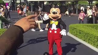 ウォルトの仮装でミッキーに会いに行った thumbnail