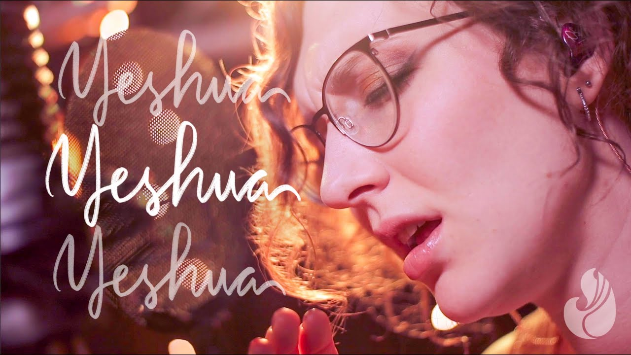 Yeshua (in English, Portuguese, Spanish, & Hebrew) | WorshipMob live + spontaneous worship