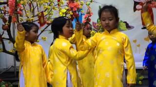 BeSony's dance performance at Hai Yen Kindergarten - Tet 2015