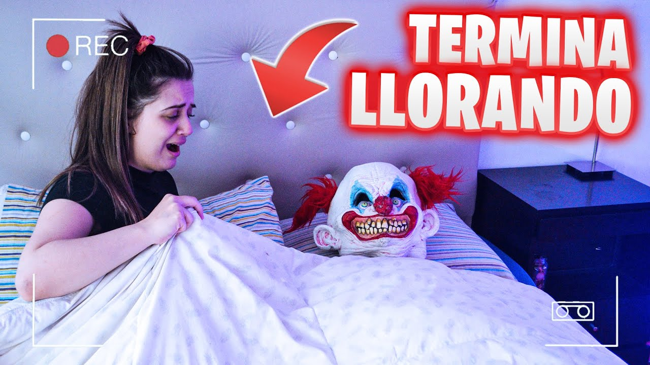 BROMA A MI NOVIA MIENTRAS DUERME * ¡Un payaso en la cama! - Pato Viral