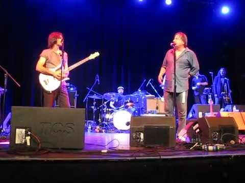 Southside Johnny & John Conte sing The Four Seasons