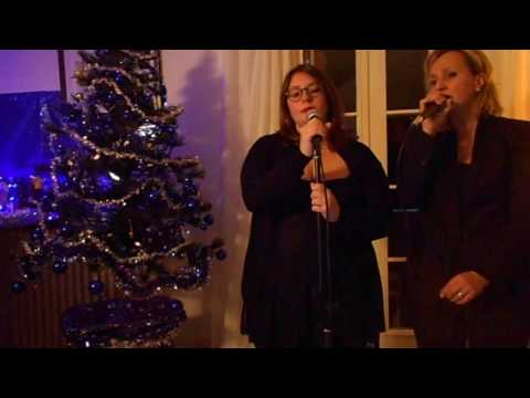 Hallelujah - Leonard Cohen - Cover by Monica (Mum) e Veronica (Daughter) M&D