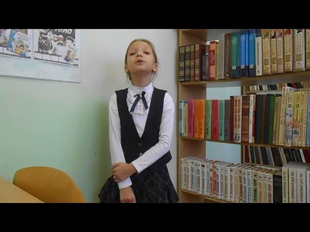 Изображение предпросмотра прочтения – АннаМерзлякова читает произведение «Стрекоза и Муравей» И.А.Крылова