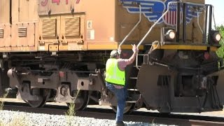 An eastbound UP stack train stops for ice cream // Trinity Rail Productions
