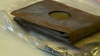 عثر رجل على محفظة نقود عمرها 71 عاما و عندما فتحها أكتشف مفاجأة