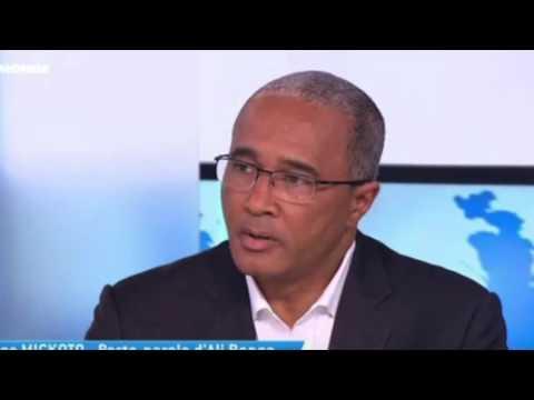 Altercation entre Serge Mickoto et un Gabonais à TV5 Monde