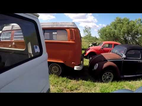 Walk around Texas Vintage Vdubs see a few Volkswagen vw buses and Porsche 911/912s