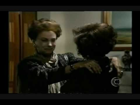 "Novela ""Vale Tudo"" - Helena recebe Odete"