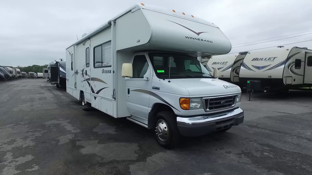 2006 Winnebago Outlook WF329B