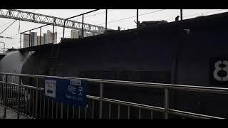 제천역을 통과하는 시멘트 화물열차