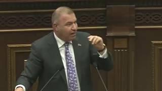 Արփինե Հովհաննիսյանը հազիվ զսպեց Միքայել Մելքումյանի զայրույթը