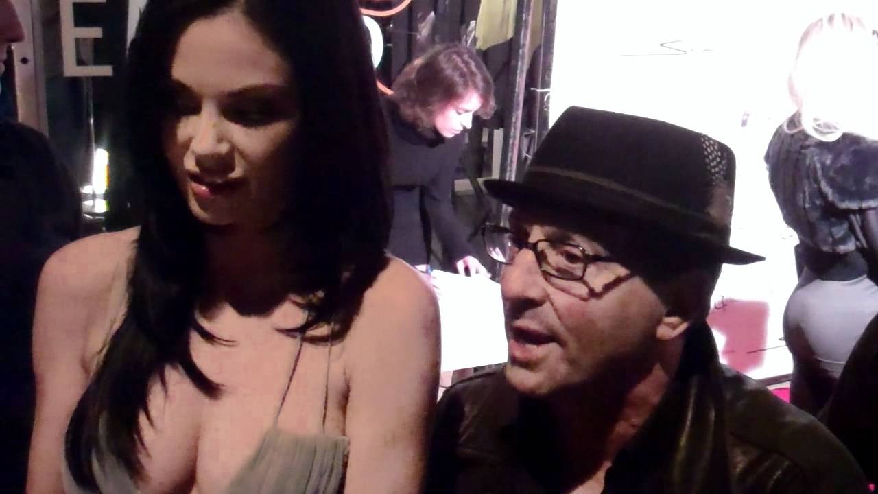 Jayde Nicole interviewed by Johnny V at Setorii Fashion ...