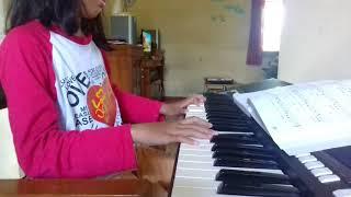 """Piano """"Guruku Tersayang"""""""