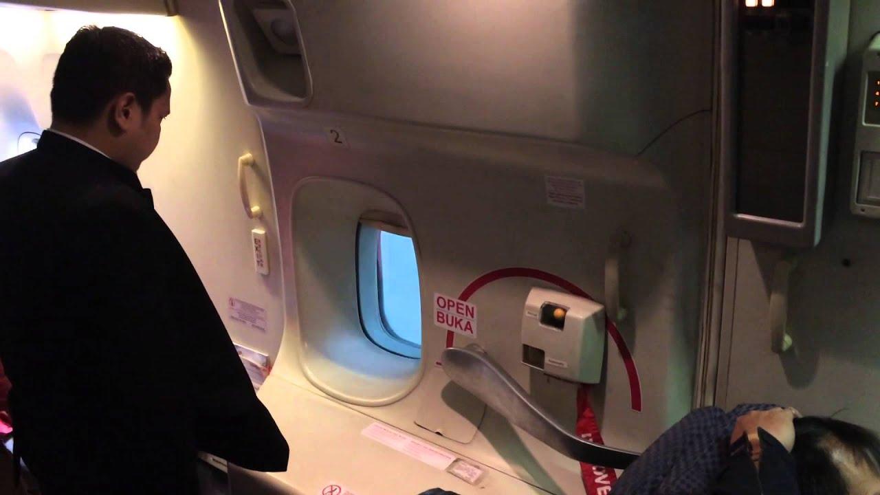 & 747-400 doors open - YouTube pezcame.com