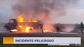 Un camión terminó en llamas en la autopista Córdoba-Rosario