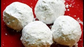 Vegan Russian Tea Cakes Recipe - Vegan Christmas Cookies