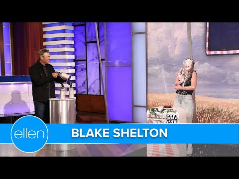 Blake-Shelton-Plays-a-Game-with-Thirsty-Fans