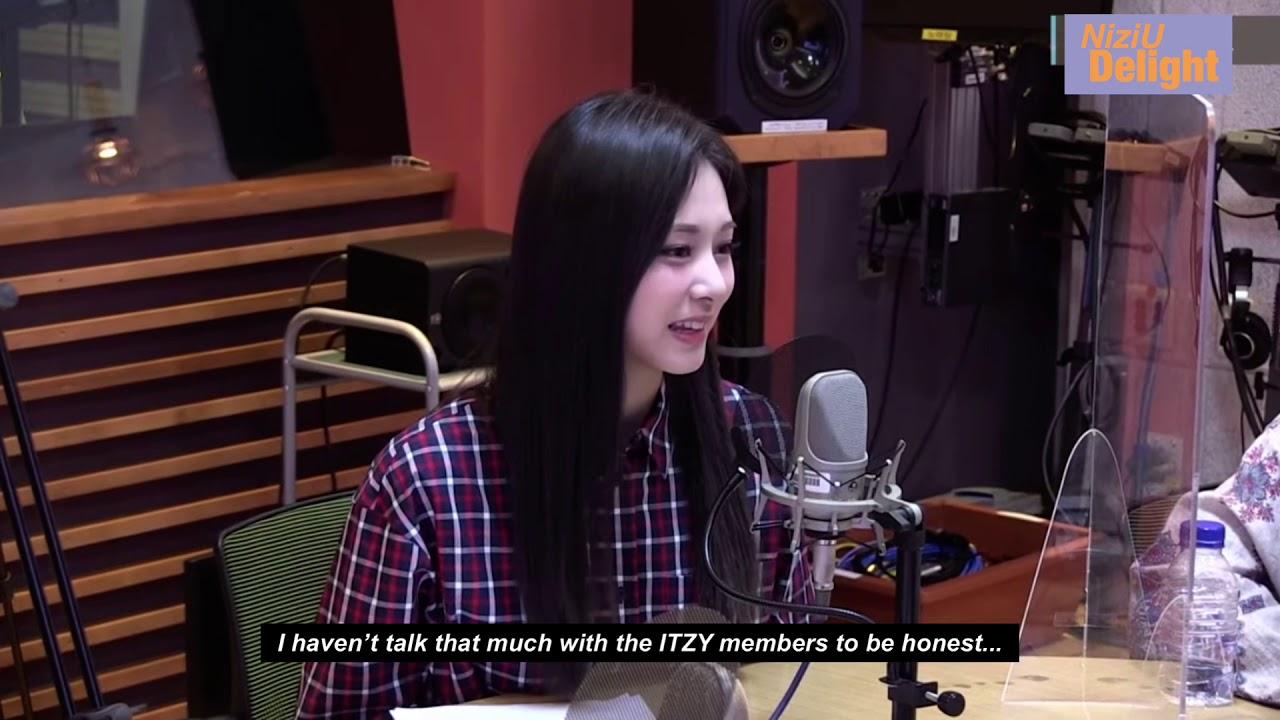 [ENG] TWICE Tzuyu, Momo talks about NiziU in a radio show ✨10.29
