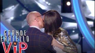 Grande Fratello VIP - Il bacio di Ilary Blasi e Alfonso Signorini