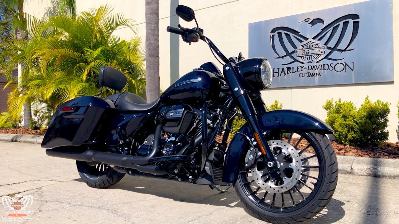 2019 Harley-Davidson Road King Special 114 | Midnight Blue with RINEHART Exhaust!