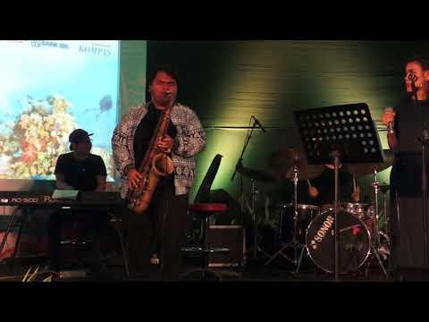Ricad Hutapea feat Renata Tobing Performing Ingin Kumiliki at Bentara Budaya Jakarta