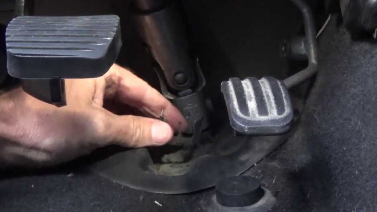 steering column universal joint remove refit step by step [ 1280 x 720 Pixel ]