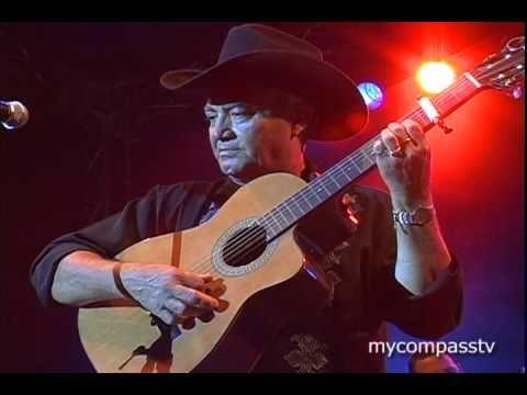 Eliades Ochoa guitar solo - Buena Vista Social Club
