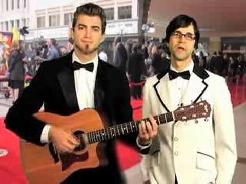 Oscars 08 Summary Song  - Rhett & Link sing about the 2008 Oscars.  What did you think about the Oscars this year? We thought it was boring, so we wrote a song about it.
