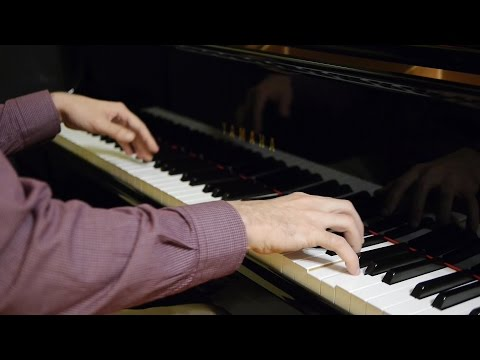"""Kiss the Rain"" - by Yiruma - (piano solo)"