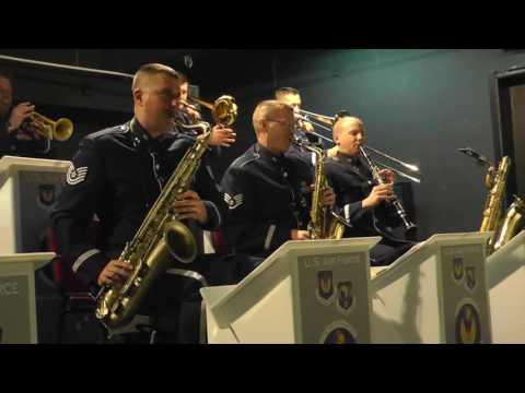 US Air force Band in Europe : Sing Sing Sing