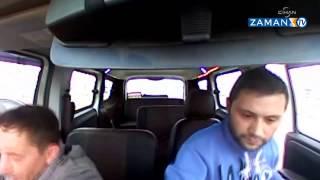 Bak görüyonmu aynadan gidiyom geri geri araba süren adam arabayı çarpıyor