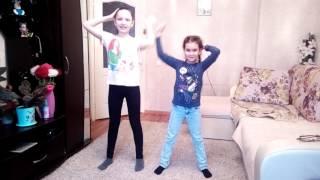 Танцуют все! Смешной танец Макарена! Кадырова Алия и Кашапова Алина