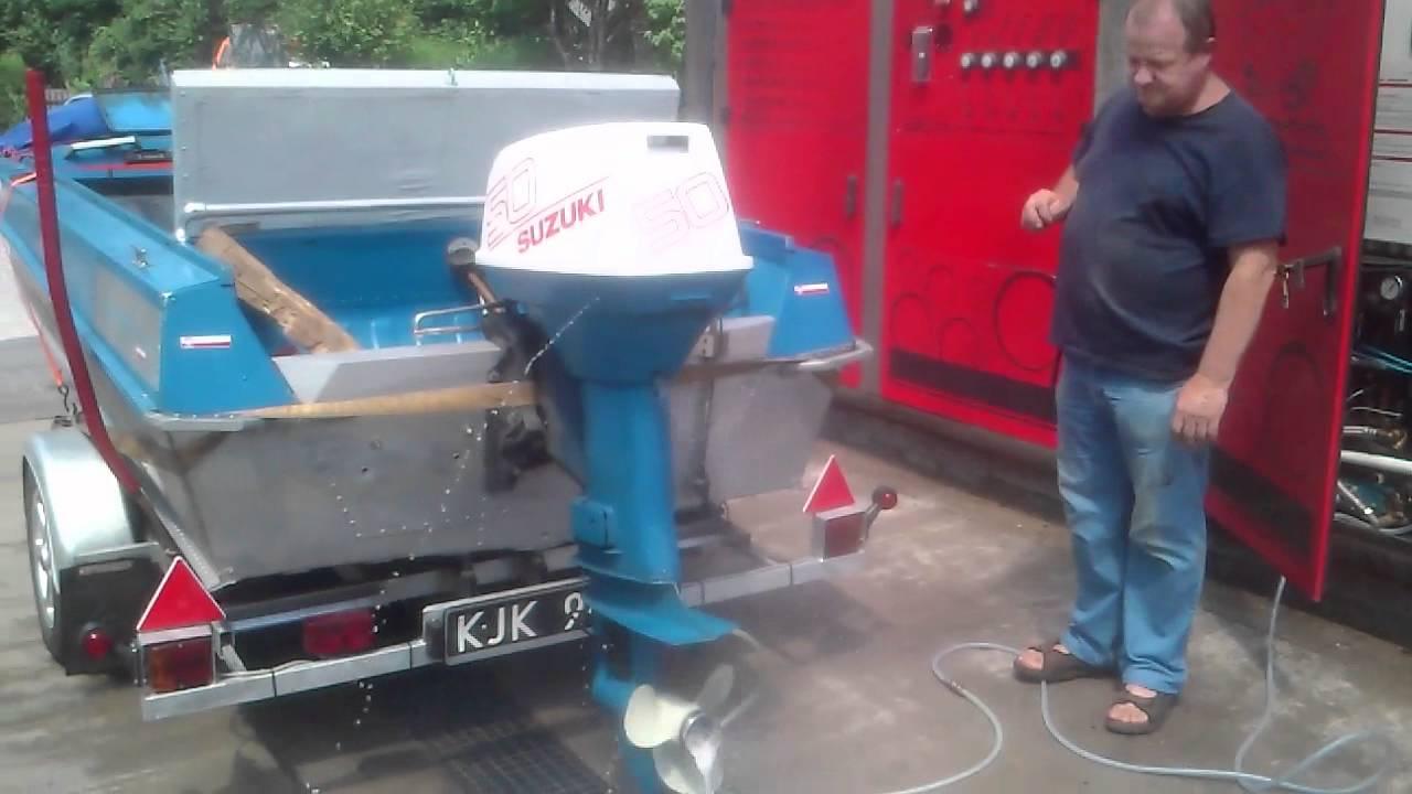 Suzuki Dt  Hp Outboard