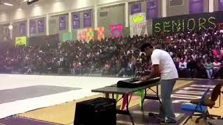 Dr. Dre Still D.R.E ft Snoop Dogg Piano Cover in madera south high.mp3