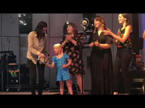 Brandi Carlile - Hold Out Your Hand (with Special Guest Josephine Hanseroth)