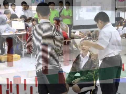 หุ่นยนต์บังคับมือ โรงเรียนนครพนมวิทยาคม