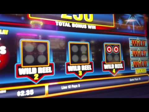 Live Play - Casino Slot Machine Win - Bullseye Bonus Game! Awesome win! Crazy!