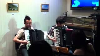 5月28日に大阪十三のHEAVEN'S CAFEで行なわれたライブの映像。