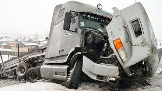 Best truck crashes, truck accident compilation 2015 Part 3
