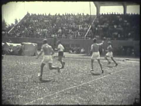 Håndbold og fodbold - Landsstævne 1947 i Odense
