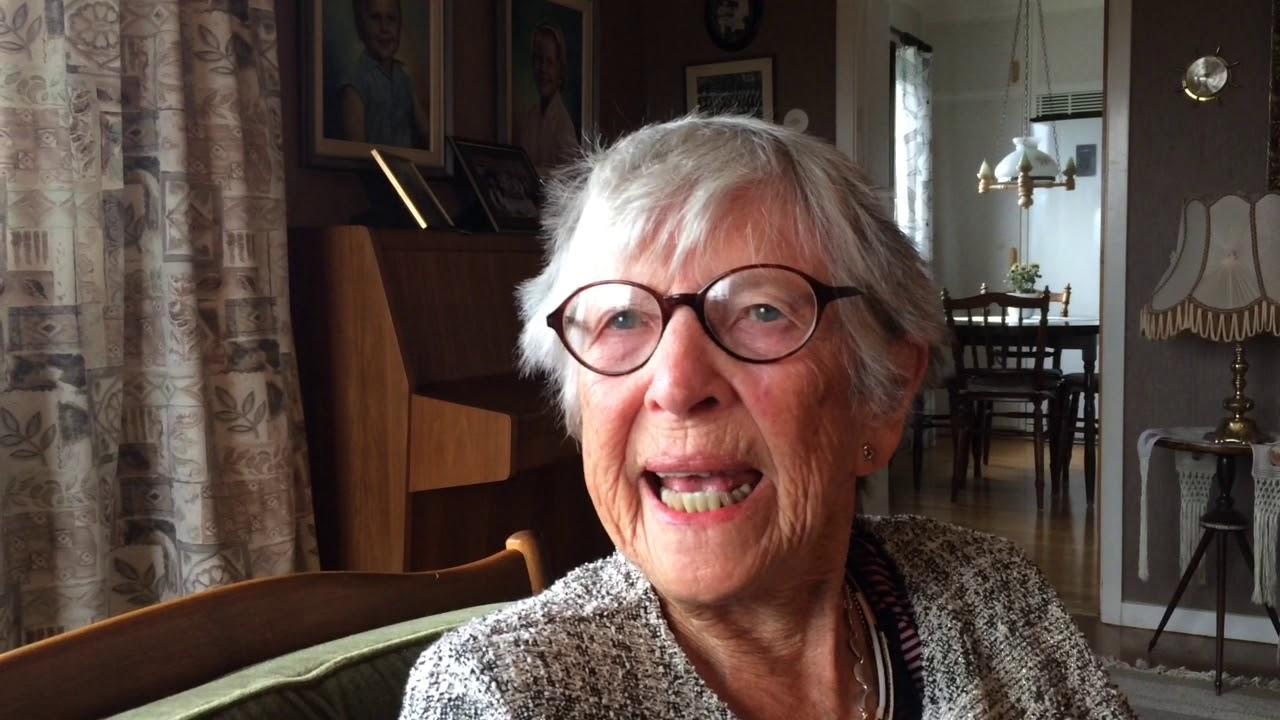 Maja-Lisa Nilsson ger prov på Tjörbu