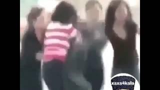 девушки украли парня