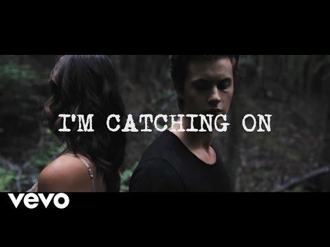 Elephante - Catching On feat. Nevve (Lyric Video)