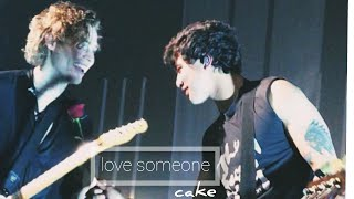 5sos//cake hoodings - love someone