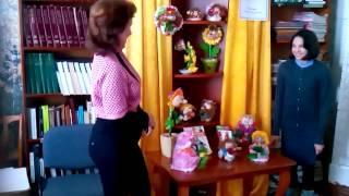 Выставка кукол Т.В.Смирновой в библиотеке