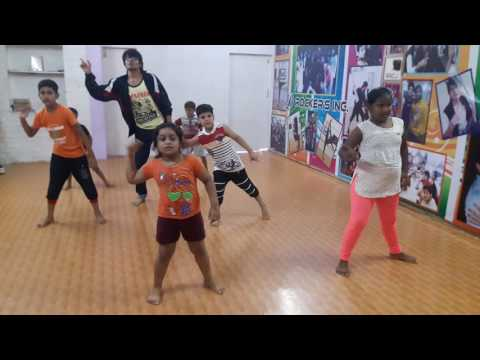 Tukur Tukur Tukur Tukur Tukur Tukur  Dekh taka tak by Dharmrsh Daiya with junior students