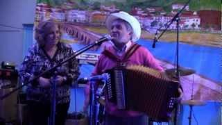 Repeat youtube video Cachadinha + Adilia de Passos cantares ao desafio - Ivry 18-11-2012 N.1