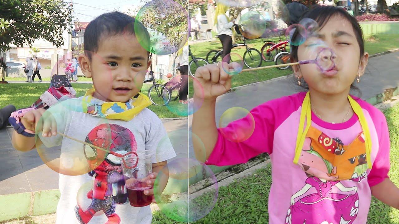 New Normalnya Keluarga Super Fafa | Main Gelembung Sabun