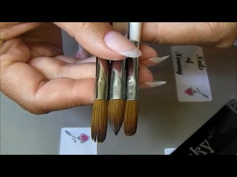 Acrylic Brushes, a Comparison